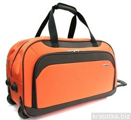 Рюкзаки. .  Выбрать чемодан на колесиках или купить дорожную сумку.
