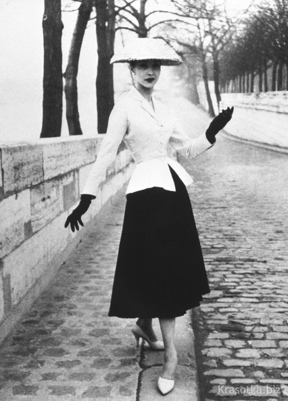 ffa5a26b494e Модный дом Christian Dior и его аксессуары
