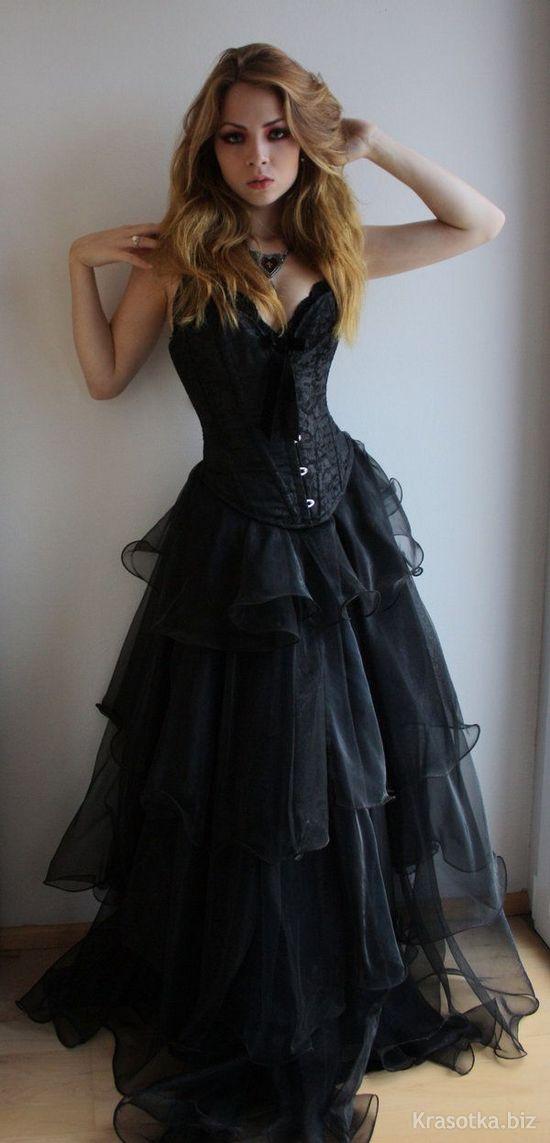 Платья с корсетом и пышной короткой юбкой